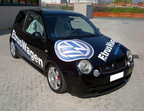 personalizzazione auto con adesivo stampato o prespaziato